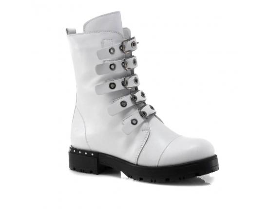 белые  женские зимние ботинки