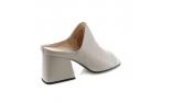 серые  женские сандалии